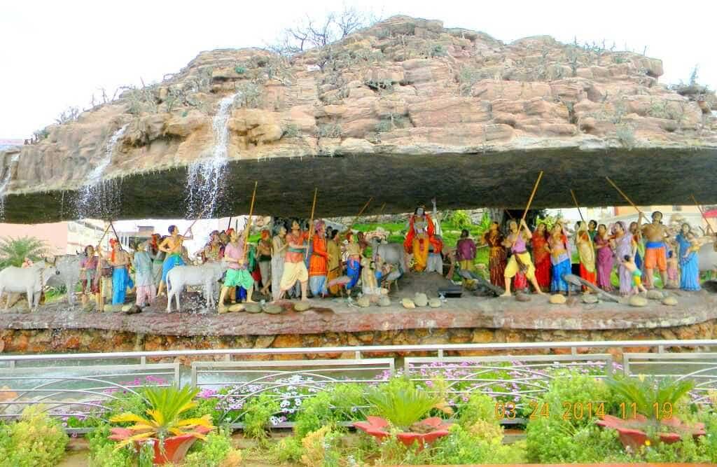 Why Govardhan Puja is celebrated? Why Krishna lift Mount Govardhan? Annakoot Festival