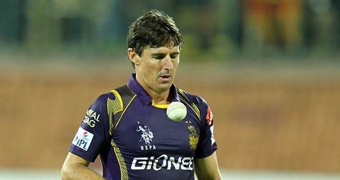 Brad Hogg is the oldest player in the history of IPL.